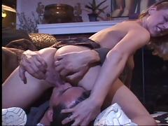 juvenile hotty adjusts her cunt for the camara