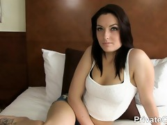 nicky is a pretty 19-year-old dark brown from