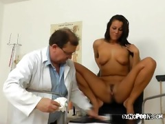 ellas wet crack squirt after gratified by doc