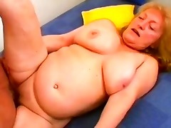lascivious daniela seduces a younger dong