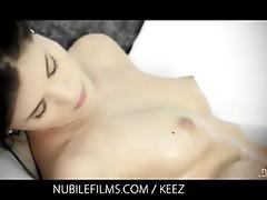 caprice erotic bathtub agonorgasmos