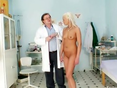 blonde klara getting wet crack gyno examined by