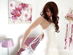 unshaved woman melanie kate takes off wedding